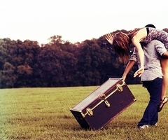 boy-chest-girl-love-suitcase-Favim.com-273945