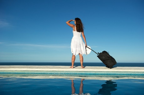 girl-with-suitcase